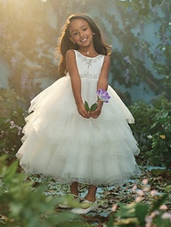 Wedding Philippines - 2013 Disney Fairytale Wedding Collection by Alfred Angelo - Disney Blossoms 04