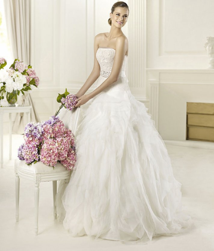 Wedding Philippines - 2013-wedding-dress-pronovias-glamour-collection-bridal (16)
